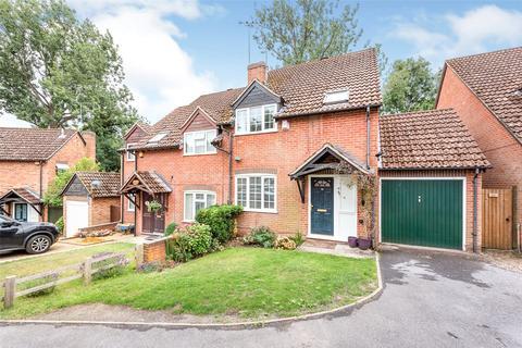 3 bedroom semi-detached house to rent - Burdock Close, Burghfield Common, Reading, Berkshire, RG7