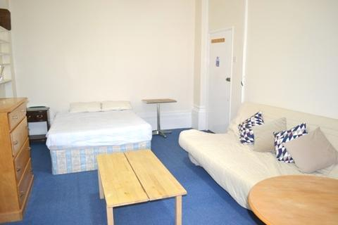 Studio to rent - Bayswater