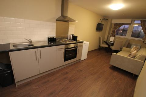 2 bedroom flat to rent - Trinity Road, Bootle, L20