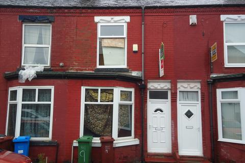 2 bedroom terraced house to rent - Newland Street, Crumpsall