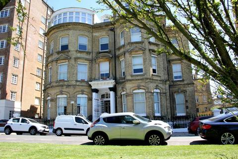 1 bedroom apartment for sale - Grand Avenue, Hove, East Sussex, BN3