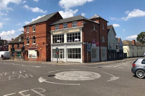 Retail property (high street) to rent - Prime High Street Retail Unit - Oakham