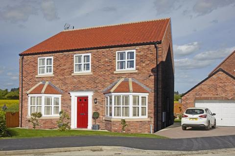 4 bedroom detached house for sale - West End Falls, Nafferton