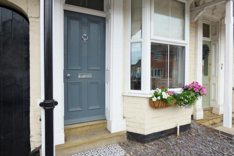 3 bedroom terraced house for sale - Middle Street North, Driffield