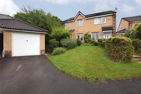 3 bedroom semi-detached house for sale - Greenmoor Avenue, Leeds, West Yorkshire