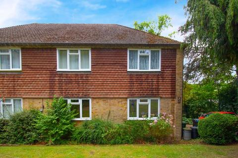 2 bedroom maisonette for sale - Valley Road, Kenley
