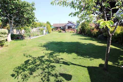 4 bedroom detached bungalow for sale - Sundon Road, Chalton