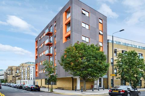 2 bedroom flat to rent - Park View Court, Bow E3