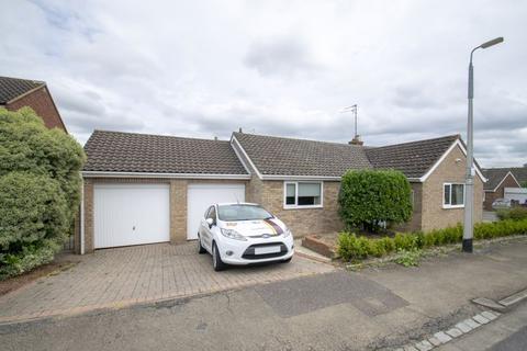 3 bedroom detached bungalow to rent - Aragon Road, Ampthill