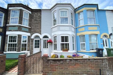 3 bedroom terraced house for sale - High Road, Gorleston On Sea