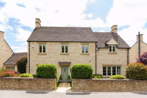 5 bedroom detached house for sale - Savory Way - Cirencester - GL7