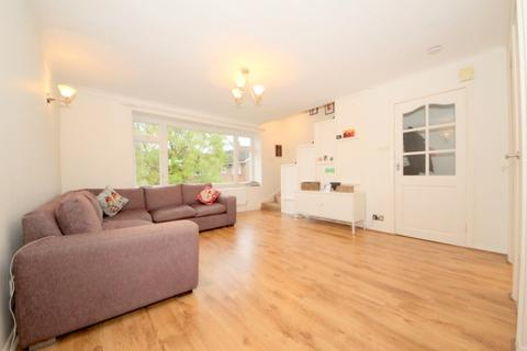 2 bedroom maisonette to rent - High Street, London, N14