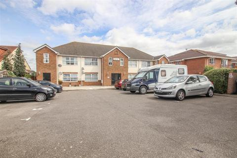 1 bedroom ground floor flat for sale - Shirley Lodge, Shirley Road, Leigh-On-Sea