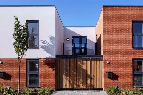 3 bedroom house to rent - Bata Mews, East Tilbury, Tilbury, Essex, RM18