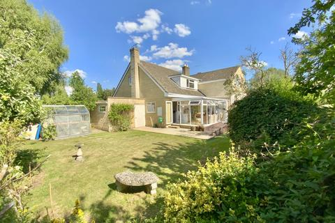 3 bedroom semi-detached house for sale - Willow Grove, South Cerney, Cirencester