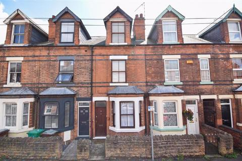 3 bedroom terraced house to rent - Woodward Street, The Meadows