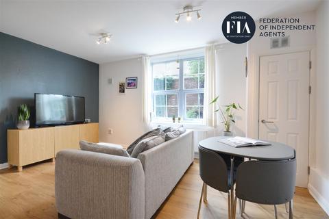 1 bedroom apartment for sale - Middlesex Court, Glenhurst Road, Brentford