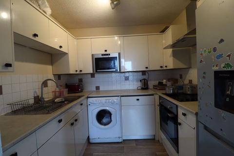 2 bedroom flat to rent - Grange Close, Leeds, West Yorkshire
