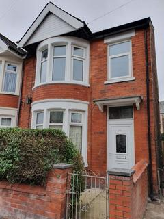 3 bedroom semi-detached house to rent - Rose Avenue, Blackpool, Lancashire