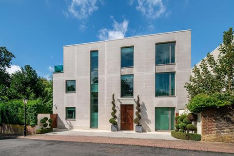 6 bedroom detached house for sale - West Heath Road, NW3