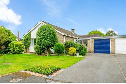 3 bedroom detached bungalow for sale - The Spinney, Dringhouses, YORK