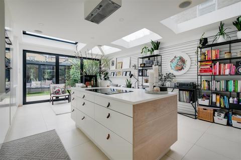 4 bedroom end of terrace house for sale - Reckitt Road, London, W4