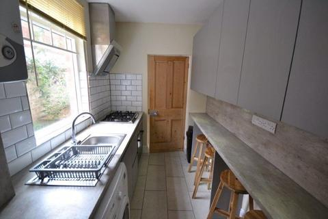 3 bedroom terraced house to rent - Victoria Avenue, Leicester, LE2 0QX