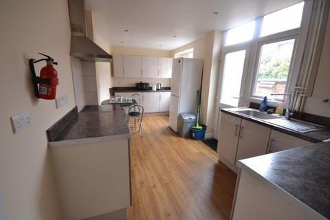 4 bedroom terraced house to rent - Chaucer Street, Leicester, LE2 1HD