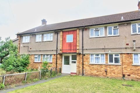 2 bedroom flat for sale - Beansland Grove, Romford, London, Greater London, RM6 5QH