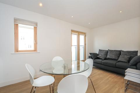 2 bedroom apartment to rent - Green Lanes Palmers Green N13