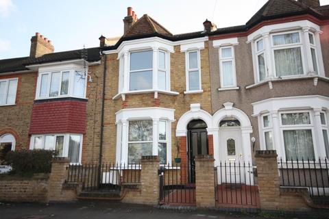 3 bedroom terraced house to rent - Doggett Road, London, SE6