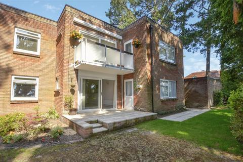 3 bedroom apartment for sale - Hartshill Court, 104 Golf Links Road, Ferndown, Dorset, BH22