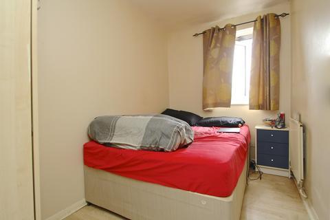2 bedroom flat to rent - Grantley House, Myers Lane, London, SE14