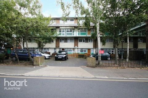 3 bedroom maisonette for sale - Star Lane, London