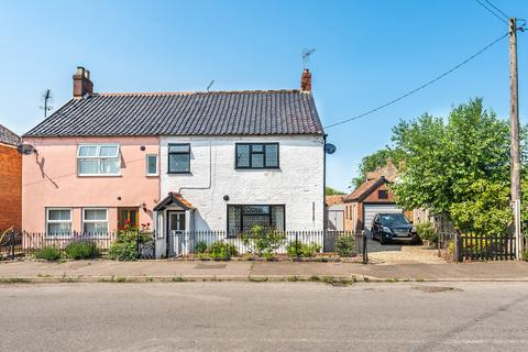 3 bedroom cottage for sale - Helhoughton