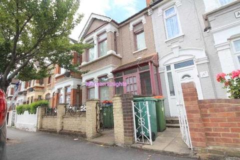 5 bedroom terraced house to rent - Altmore Avenue, East Ham, E6