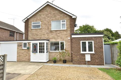 3 bedroom link detached house for sale - St. Marys Close, South Wootton