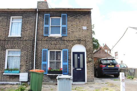 2 bedroom semi-detached house for sale - Romford Road, Forest Gate, E7