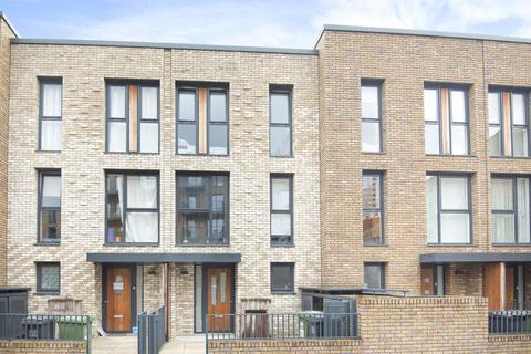 4 bedroom terraced house for sale - Mary Rose Square, Surrey Quays