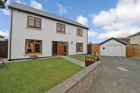 4 bedroom detached house for sale - Pendyffryn Road, Rhyl