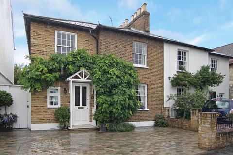 4 bedroom semi-detached house for sale - Second Cross Road, Twickenham
