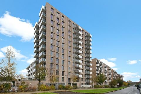2 bedroom apartment to rent - Waterside Heights, Royal Docks, E16