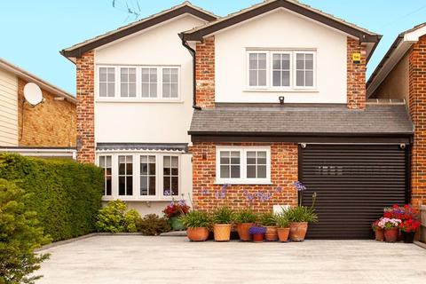 4 bedroom detached house for sale - The Vale, Stock