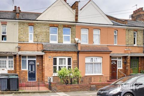 3 bedroom terraced house for sale - Hewitt Avenue, London, N22