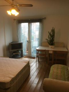 House share to rent - Bransdale Close, Kilburn London