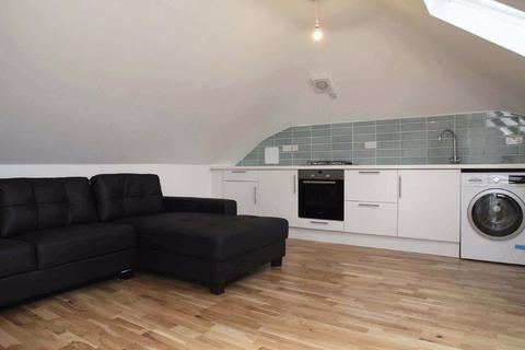 3 bedroom mews to rent - Tierney Road, London