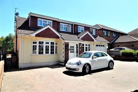 5 bedroom detached house to rent - City Way, Rochester