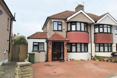 4 bedroom semi-detached house to rent - Farnham Road, Welling