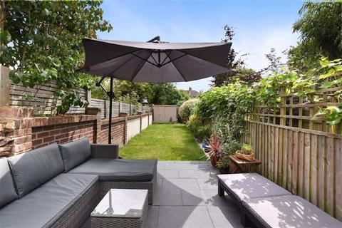 2 bedroom flat for sale - Royston Road, Penge, London