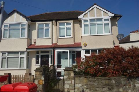 3 bedroom terraced house to rent - Birchanger Road, London